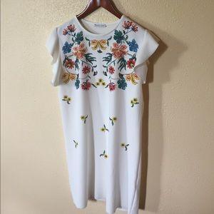 ZARA White Floral Dress Sz M